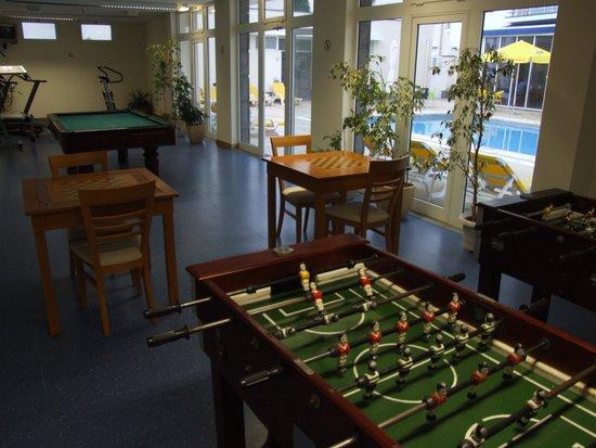 Vila Nova Hotel: game room