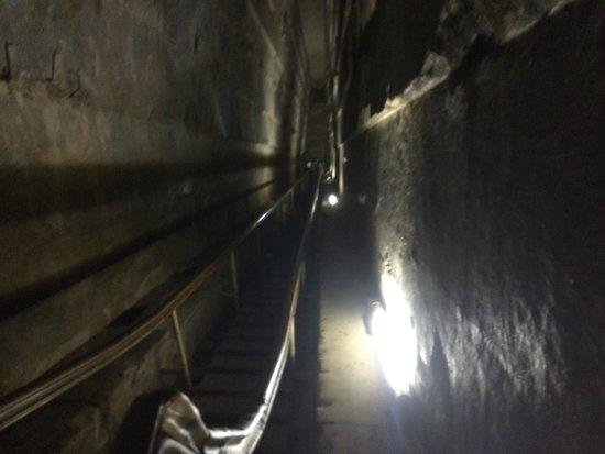 Pyramide de Khéops : accès à l'intérieur
