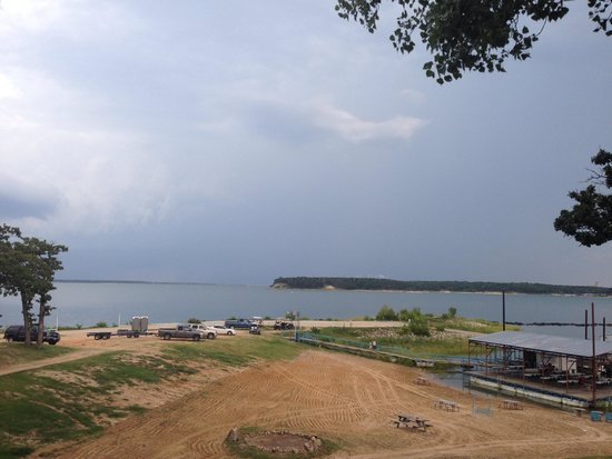 Little Mineral Marina & Resort: The view from the back deck as a storm rolled in.