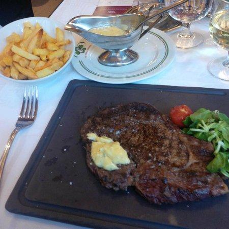 Au Pied de Cochon : Steak et frites