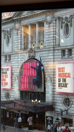 Billy Elliot The Musical : Teatro por fora