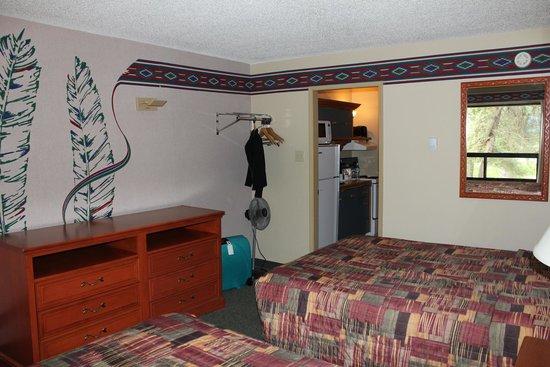Marmot Lodge: @ king size bedden