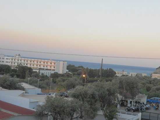 Marathon Hotel: vista mare dalla terrazza privata di camera