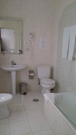 Vera Cruz Porto Hotel: Baño