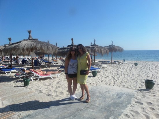 El Mouradi Palm Marina: Beach