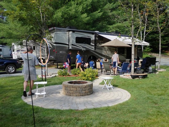 Quechee / Pine Valley KOA : Site #15 - WONDERFUL for a group to hang out in!
