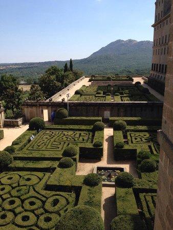 Monasterio y Sitio de San Lorenzo de El Escorial: Jardim do Monasterio Real