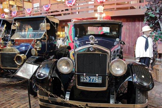 Wheels O' Time Museum: Wonderful 'wheels'