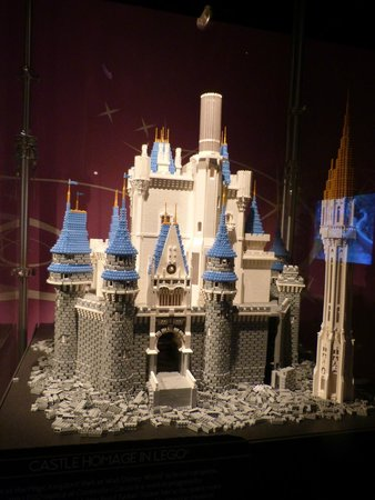 Museum of Science and Industry: lego castle exhibit