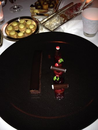 L'Assiette Champenoise: Nice Desserts and Sweets