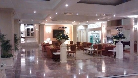 Corinthia Palace Hotel: Hall