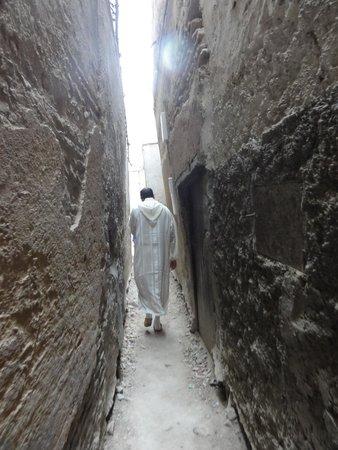 Medina of Fez: callecita en La Medina