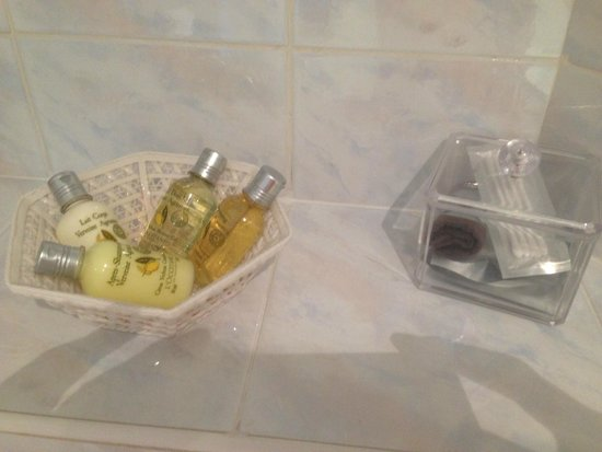 Hotel Colette : posh toiletries!