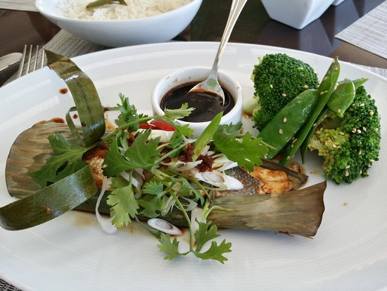 Le Gray Beirut: fish with banana leaves