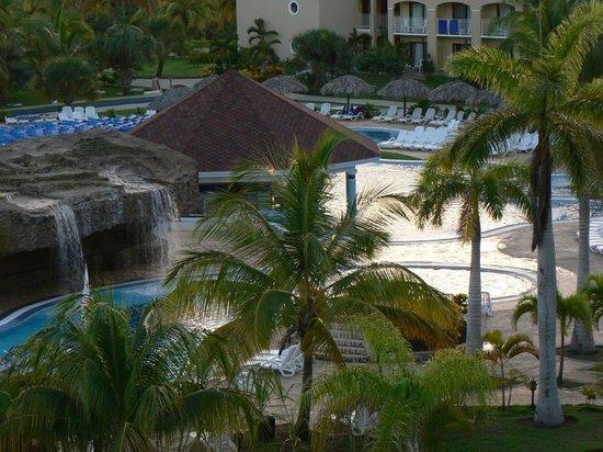 IBEROSTAR Laguna Azul: main pool area