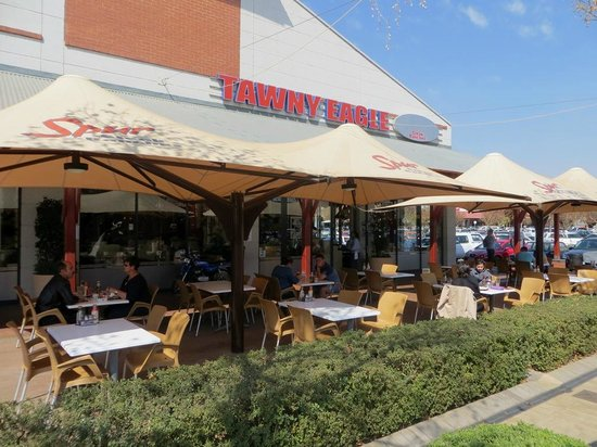 Tawny Eagle Spur Steak Ranch: Outside seating