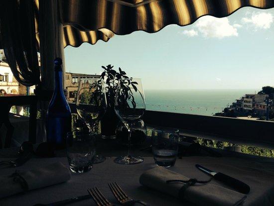 Il Ritrovo: notre table en terrasse avec une vue magnifique