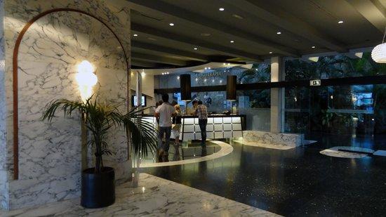 Gloria Palace San Agustín Thalasso & Hotel: Receção