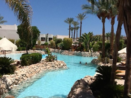 Ghazala Gardens Hotel: Lazy river connections to other pools