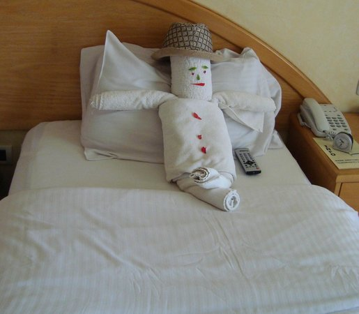 Ghazala Gardens Hotel : Imaginative towel art