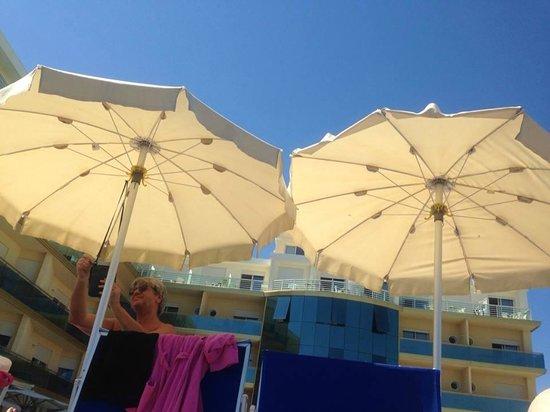 Hotel Valverde & Residenza: Un pomeriggio in piscina