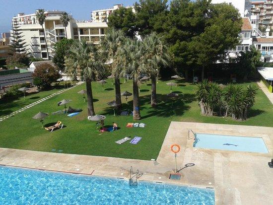 Hotel San Fermin: zona de piscina
