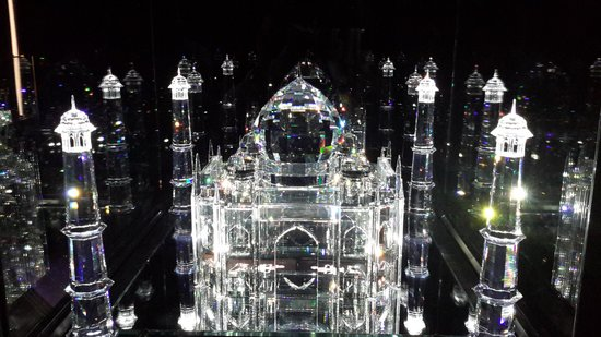 Swarovski Crystal Worlds: it is not possible to choose among photos