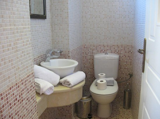 Casa Vitae Hotel: baño de la Junior Suite
