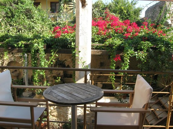 Casa Vitae Hotel: balcón con vista al patio veneciano