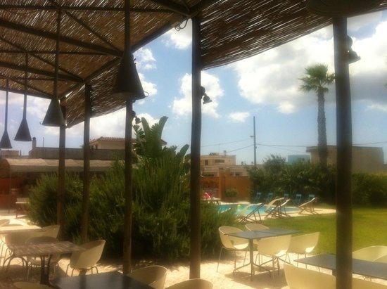 Il Tabacchificio Hotel: uitzicht vanaf terras