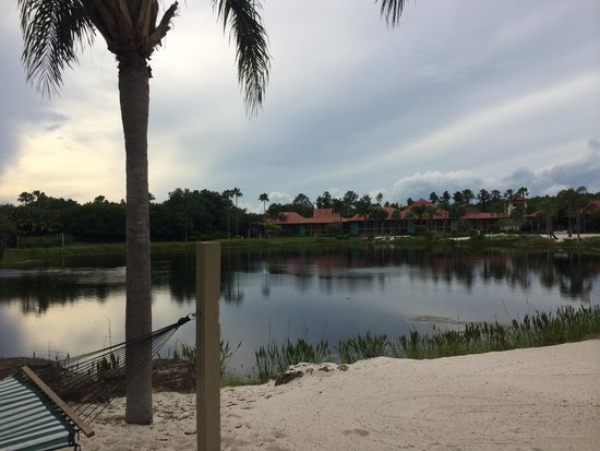 Disney's Coronado Springs Resort: Walking around the lake in the cabanas area