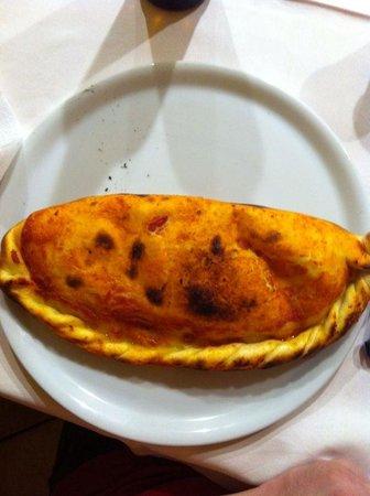 L'oasi Della Pizza: calzone