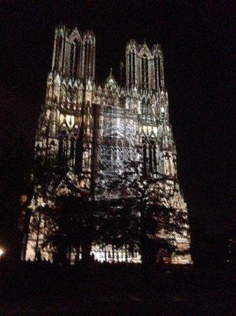 Cathedrale Notre-Dame de Reims: Reims Cathedral light show