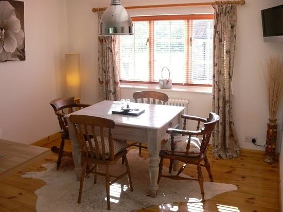 Tavolo sala da pranzo - Picture of Flamborough Rigg Cottage ...