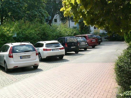 A&O Berlin Kolumbus: Parking