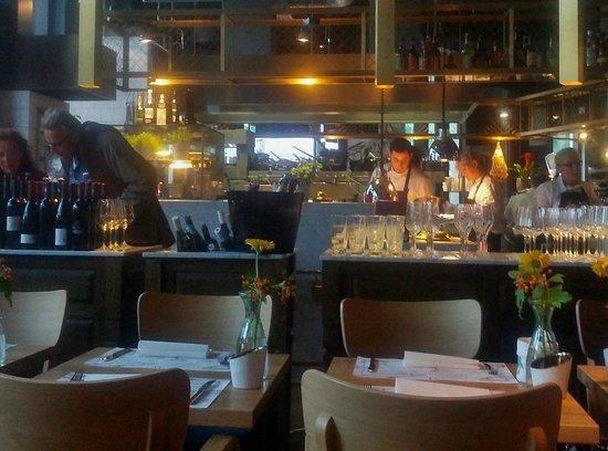 Offene Küche Brasserie - Bild von Müllers auf der Rue, Essen ...