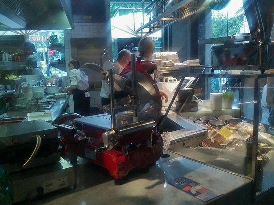 Berkel-Aufschnittmaschine Zeichen bester Küche - Bild von Müllers ...