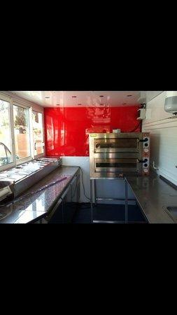 Int rieur du camion pizza bella pizza nice ouest photo - Livraison nice ouest ...