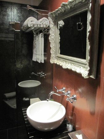 BoBo Hotel : Banheiro