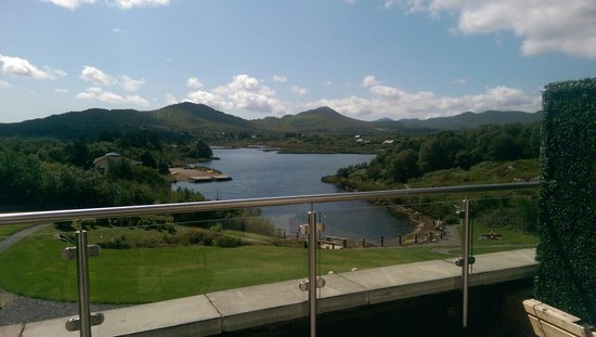 Sneem Hotel: The view from our suite