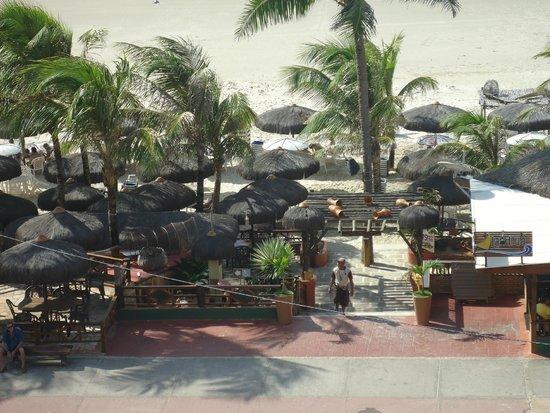 Litorânea Praia Hotel: Quiosque Landruá - Em frente ao Hotel