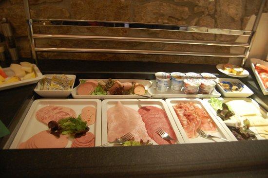 Hotel Klosterstueble: Breakfast buffet - meats & cheeses