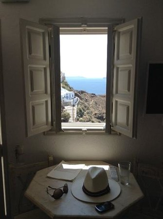 Oia Mare Villas : great views from every room