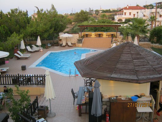 Kreta Natur : pool area view from rooftop terrace