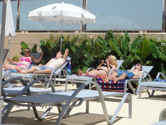 Hotel JS Yate: Bathing Area