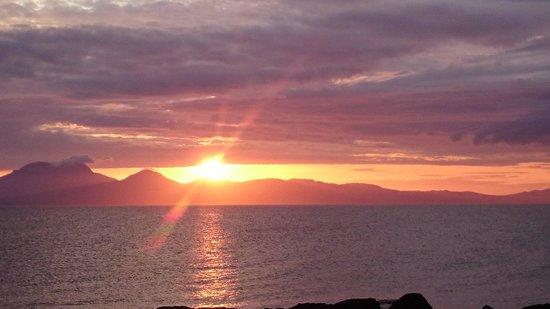 Port Ban Holiday Park: sun setting over port ban