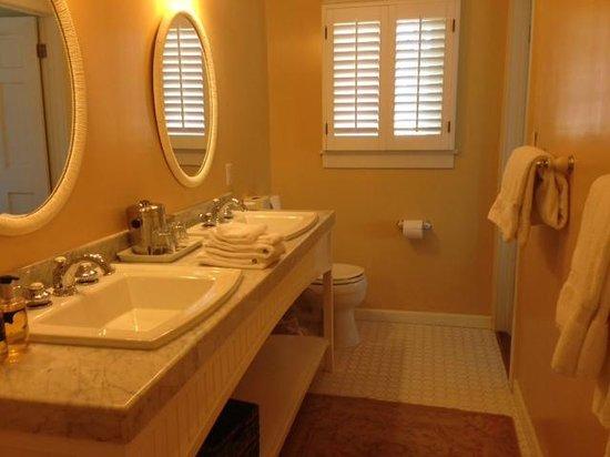 Channel Road Inn - A Four Sisters Inn: Bathroom
