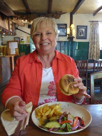 The Black Horse: A Veggie Burger in a Pub?  Come on!