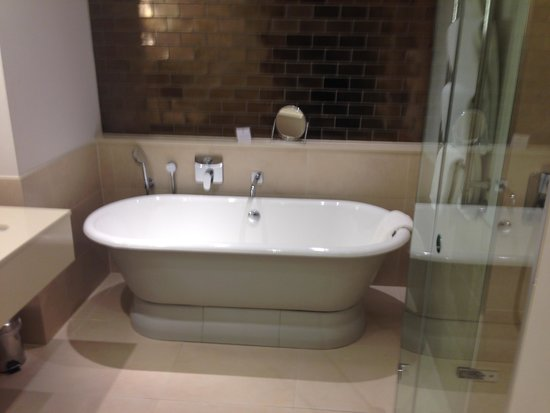 Rudding Park Hotel: bathroom