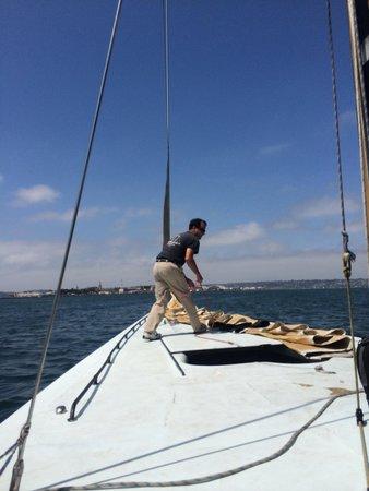 Sail Stars & Stripes USA-11: Bringing down sail